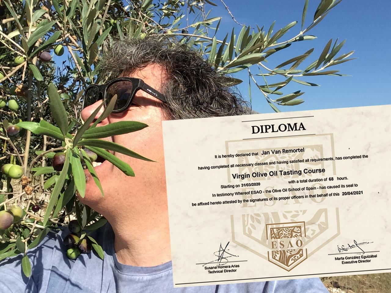 Jan van Remortel behaalde het diploma extra vierge olijfolie proever